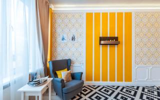 Дизайн комнаты с разными обоями
