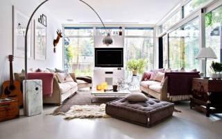 Современный интерьер гостиной в доме