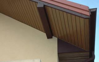Как подшить крышу софитом?