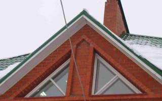 Треугольные окна на мансарде фото