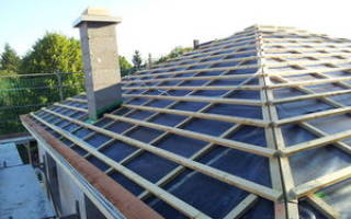 Как построить четырехскатную крышу?