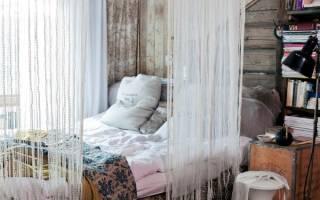 Нитевые шторы в интерьере гостиной