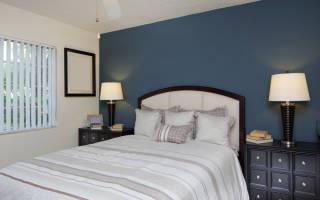 Дизайн комнаты с двуспальной кроватью