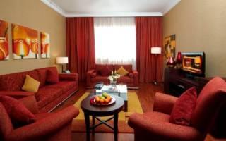 Красный в интерьере гостиной фото